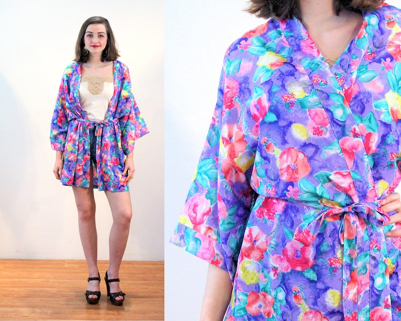 b6800ffaaa 80s Bright Floral Kimono Jacket M Val Mode Short Robe Silky