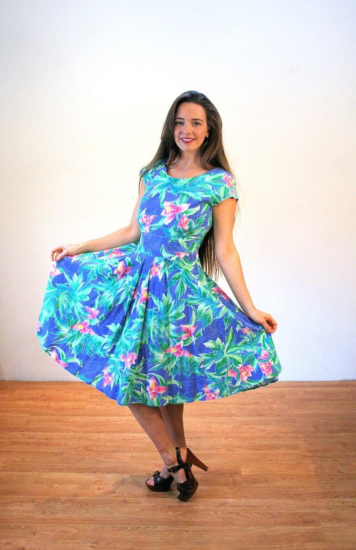 db555415980c 80s Hawaiian Dress M Tropical Vintage Full Skirt Flirty