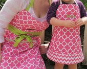 Personalized-Adult-Aprons-Mommy-Daddy-Me-Kids-Chef-Art-Cooking-Kitchen-Baking-Christmas-Cookies-Foodie-Garden-Smocks-Holiday-Birthday-Gifts