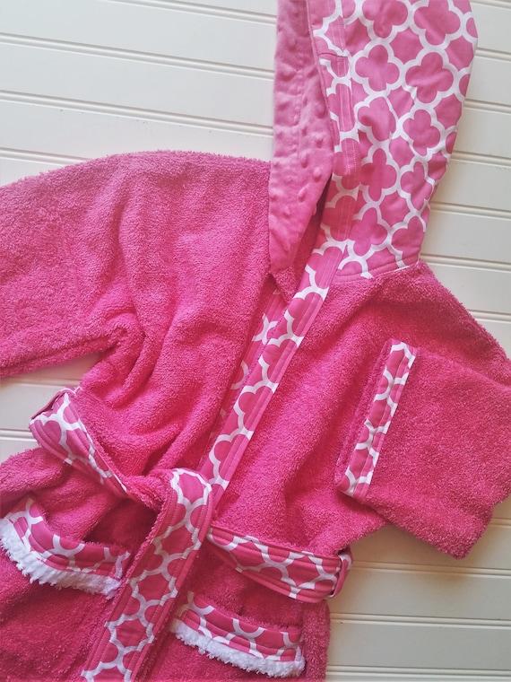 Child-Robes-Boy-Girls-Girl-Bath-Boys-Robe-Pink-Quatrefoil-Coif  63b64fcc8