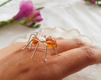 Sterling Silver Spider Brooch with Amber Detail. Vintage Spider Brooch. Amber Spider Brooch.