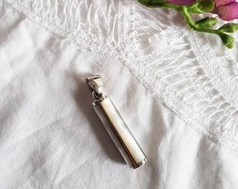 925 sterling silver moonstone pendant. Vintage solid silver pendant.