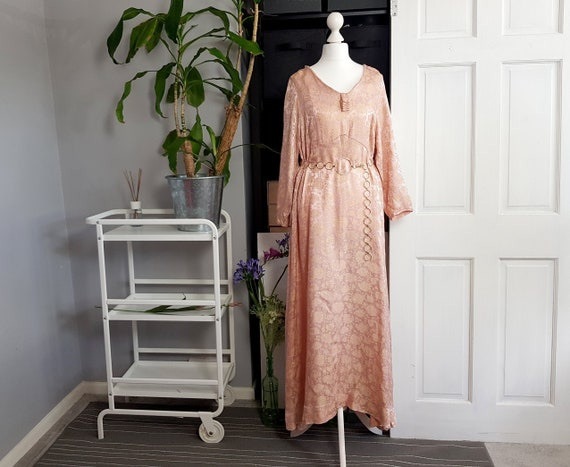 VINTAGE 1970s pink and gold jacquard maxi dress SI