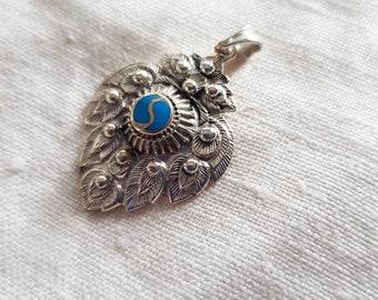 90s sterling silver blue enamel bunch of grapes pendant. Vintage grapes pendant.