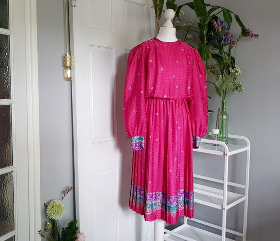 VINTAGE pink dress in clipped sheen jacquard and p