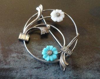 Dainty Small Vintage 1940s Glass Floral Circular Motif Brooch Pin