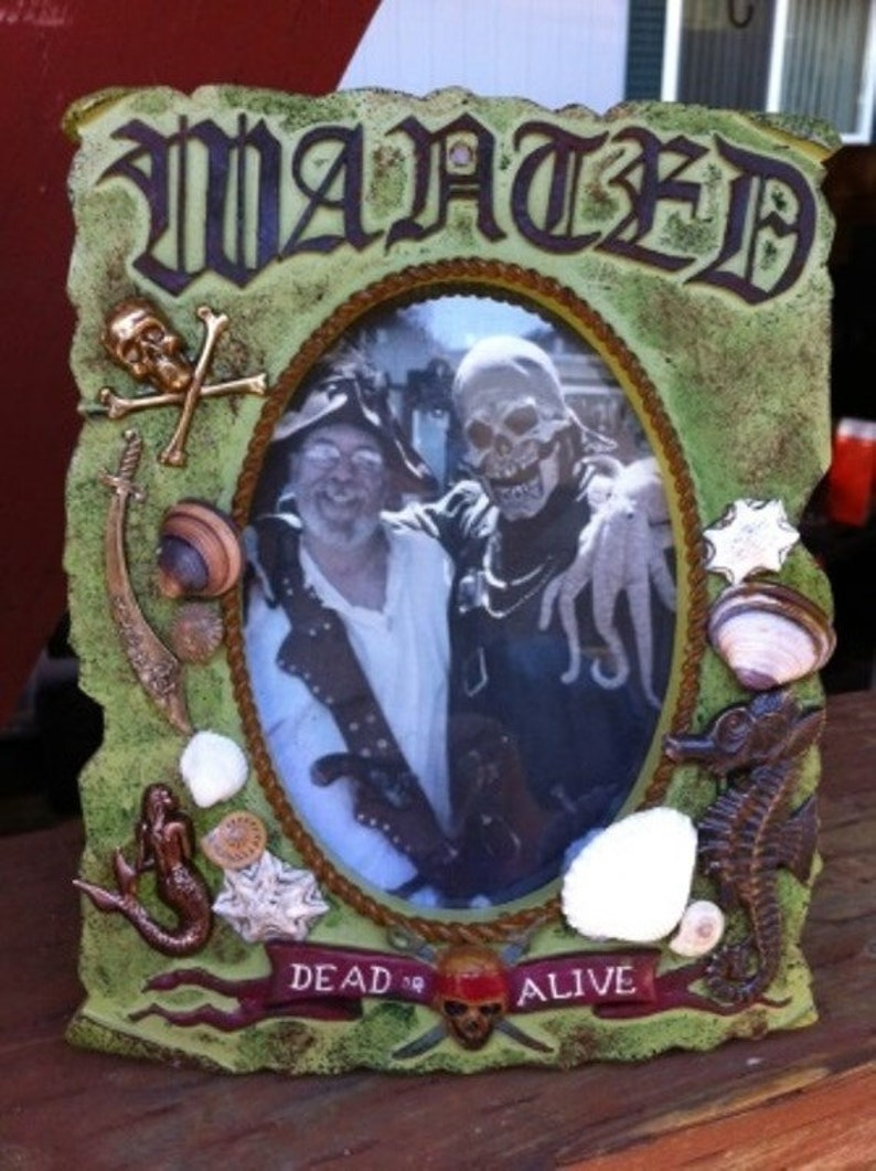 Fantasy Pirate Wanted Dead Or Alive Frame