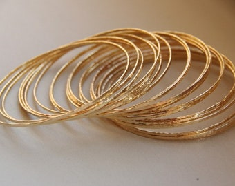 Set of 6 thin 14k gold filled hand hammered stack