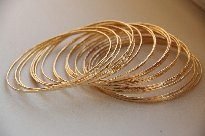 Set of 5 thin 14k gold filled hand hammered stack image 0