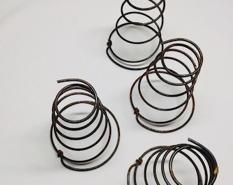 """Vtg 5 PC  8/""""tall Rusty  Heavy Bed Springs~Coil Antique Arts Crafts Wedding 2in"""