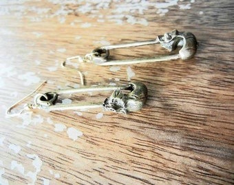 Antique Gold Metal Skull Head Safety Pin Hook Earrings Torture Couture Gothic Goth Punk Lolita Death Rocker