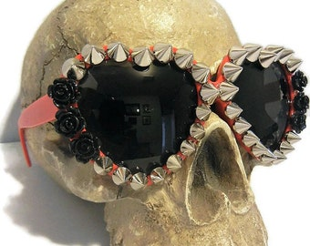 DEADLY SPIKED Black Roses Heart Shaped Lolita Sunglasses Retro, Gothic, Horror Scream Queen,Torture Couture, Scene, Club Kid, japan, candy