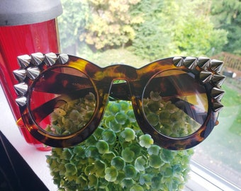 Tortoise or White Color Oversized Cateye Spiked Sunglasses sunnies Eyewear