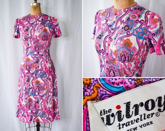 """1960s Dress   The Wilroy Traveller   Vintage 60s Psychedelic Hot Pink Paisley Print Short Sleeve Dress with Buttons Bust 35"""""""