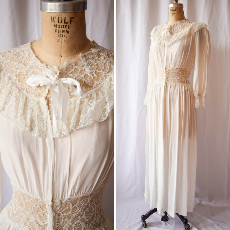 6c15d2a90 Femicraft Vintage 1940s Dressing Gown White Imperial Rayon