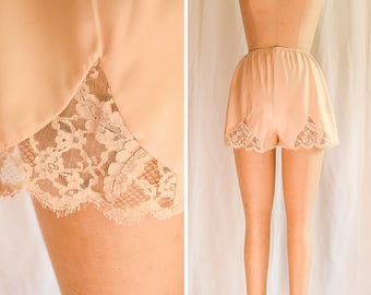 Lucie Ann   1960s Vintage Tap Pants Peach Silk Charmeuse with Lace Insets and Trim 60s Lingerie Claire Sandra by Lucie Ann Beverly Hills