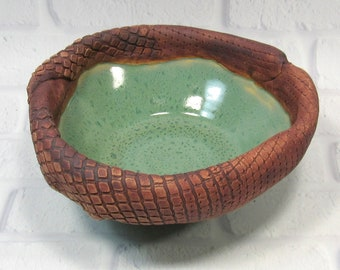 Bowl with textured rim - accent piece fruit bowl - Handmade Pottery