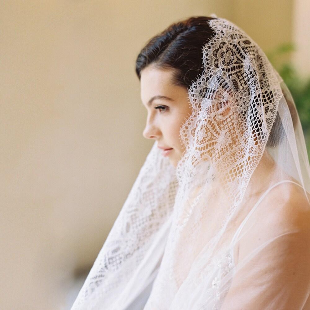 Bridal Veil English Silk Tulle Chantilly Lace Drop Veil