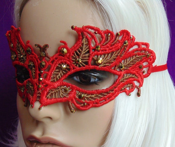 A Song of Magic and Time ombre lace rhinestone mask