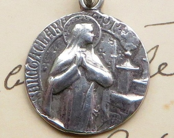 St Clare / Claire of Assisi - Patron of TV & knitters - Sterling Silver Antique Replica