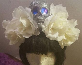 Day of the dead, Halloween, Skull, LED, Skull crown, Floral crown, Flower crown, Rose Crown, White rose crown, MsFormaldehyde
