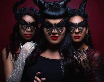 Horn headdress, Maleficent, Horns, Black horns,Horror, Horror horns, Black metal, Metal, Disneybound, flower crown. floral horns
