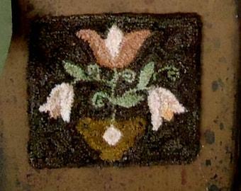 PUNCH NEEDLE Pink Fraktur Tulip E-Pattern