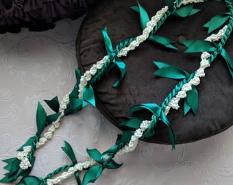 Ti Leaf Ribbon lei with rosebud