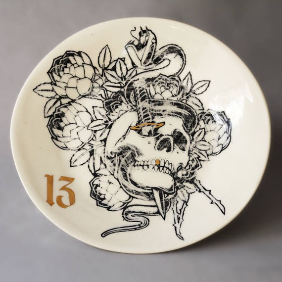 Wall to table Skull chapter 13 plate