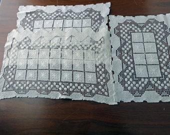 Antique Ecru Lace Doilie Table Mat Set of Three