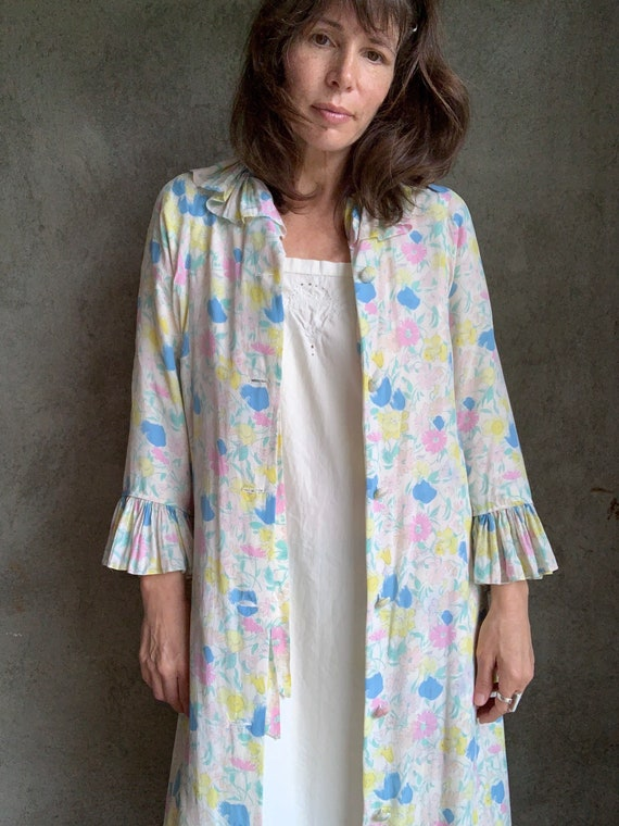 Vintage 30s floral silk Leron robe dressing gown
