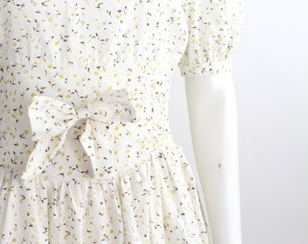 Vintage 50s-60s Cotton Day Dress   Smocked Waistband Floral Dress   Sweet Floral Cotton Tea Dress   M