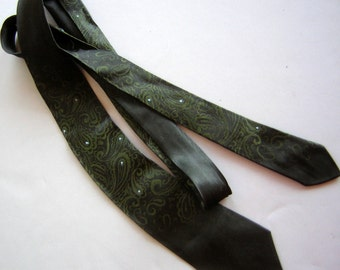 Vintage 1960s Elfant Neck Tie Black Green Paisley Tiny Blue Dots