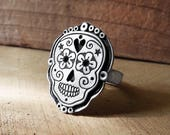 Sugar skull ring in sterling silver, skull jewelry, dia de los muertos, day of the dead ring, girlfriend gift for her, smiling skull