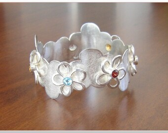 Gem Flowers bracelet