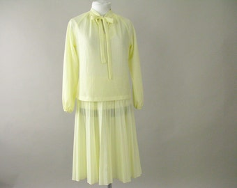 Vintage 1970's Yellow Skirt and Top, 2 Piece Outfit, Fits Size 6 to 8 Small