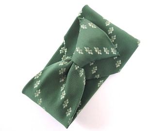 Wide Clip Tie - Vintage 1970's Green Polyester Tie