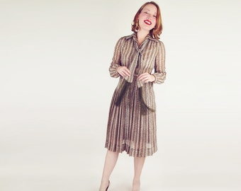 70s Brown Print Shirtwaist Dress with Olive Fringed Scarf M