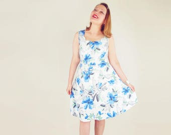 50s Blue Flowered Cotton Sundress with Scalloped Neckline M L