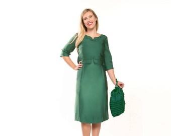 50s Green Silk Sheath Dress with Corded Swirls S M