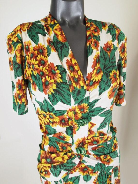 40s Yellow Flowered Rayon Jersey Knit Dress WWII-… - image 3