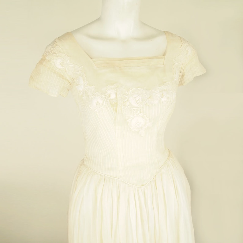 50s Cream Cotton Organdy Long Wedding Gown with Rose Appliques S