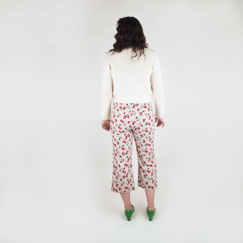 60s Acorn Apple and Flower Print Cotton Cropped Pants 30.5 Waist