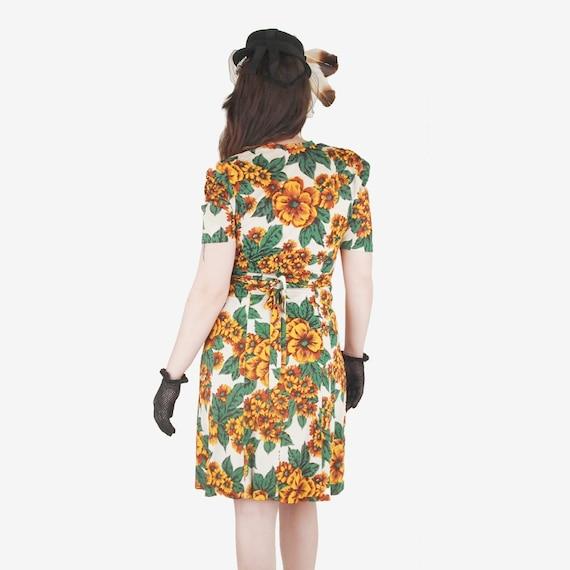 40s Yellow Flowered Rayon Jersey Knit Dress WWII-… - image 2