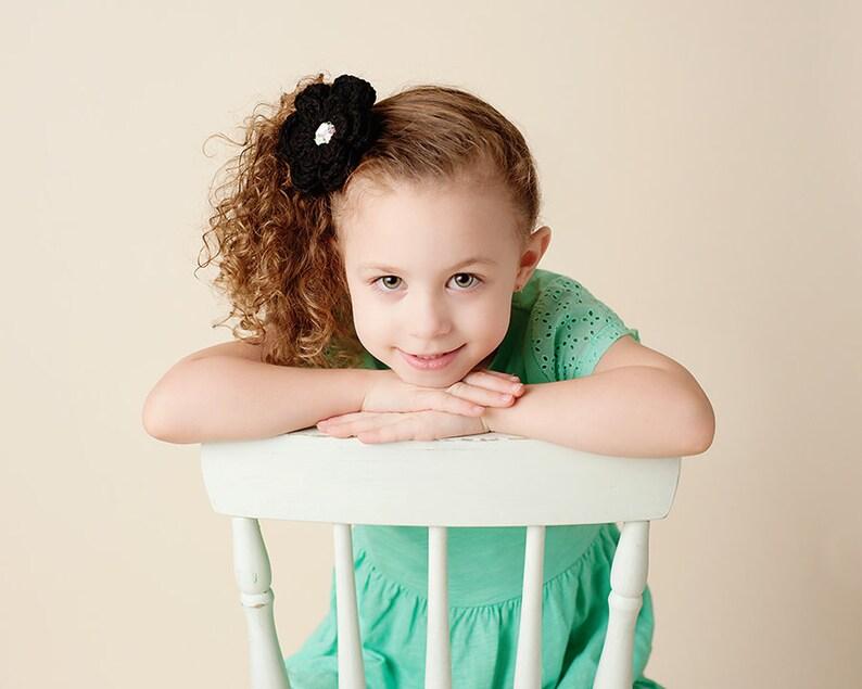 192dc4a59b14b Fleur noire cheveux clip bébé fille cheveux accessoires enfant