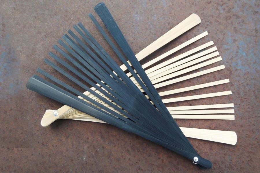 Bois véritable bâtons de bambou ventilateur - finition naturel noir ou naturel finition - faire votre propre Fan de l'été (Dr-021) 9f5b42
