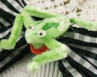 Vintage Chenille Frog with Googly Eyes            (DR-012)