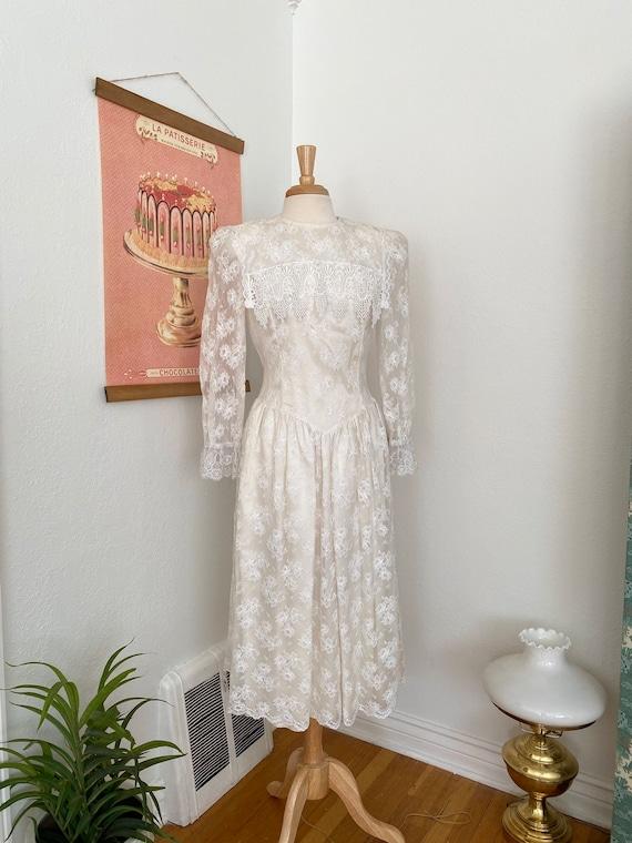 1980s Gunne Sax White Lace Dress - image 1