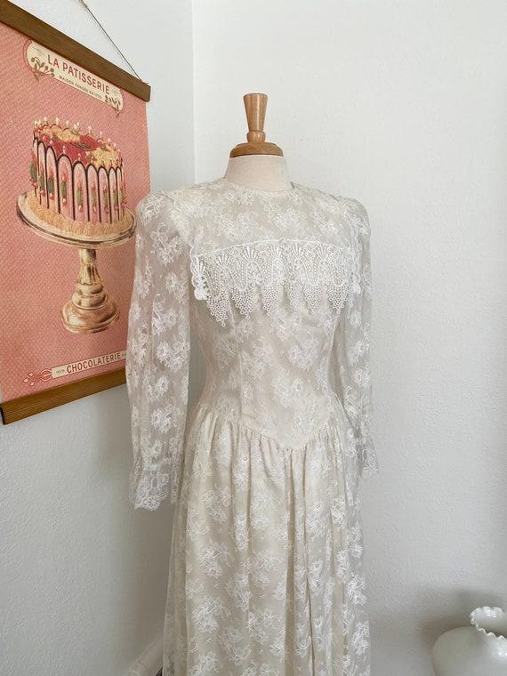 1980s Gunne Sax White Lace Dress - image 2