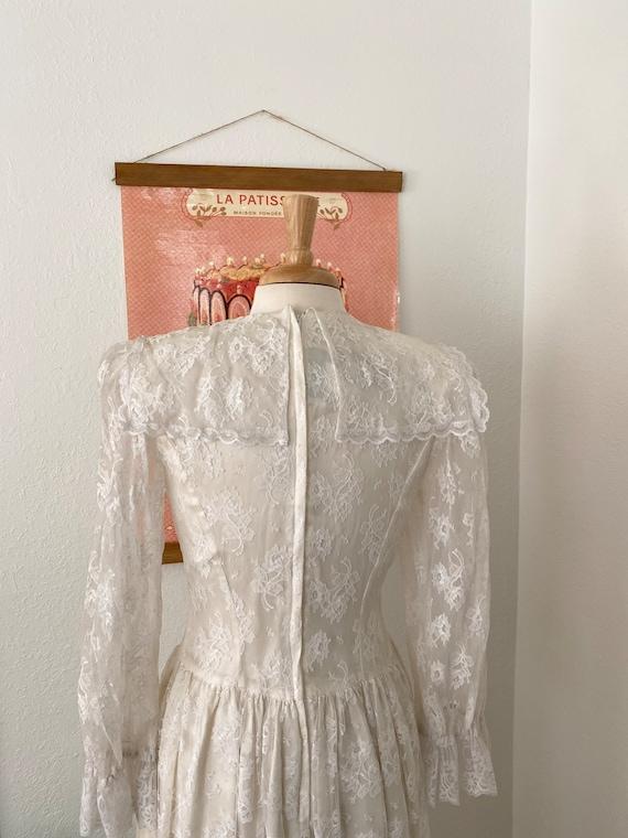 1980s Gunne Sax White Lace Dress - image 3